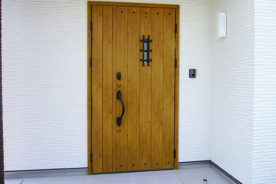 4号地建売 玄関ドア