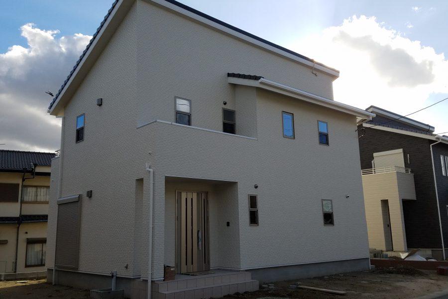 現在建築中(平成31年1月完成予定)<br /> 総額:3,020万円(税込)