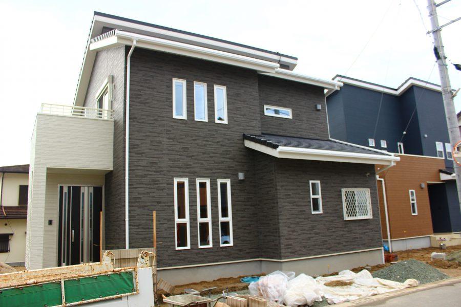 現在建築中(平成31年1月完成予定)<br /> 総額:2,880万円(税込)